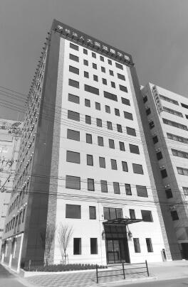学校法人大阪滋慶学園にて、日本初の医療安全管理学修士過程を設置した滋慶医療科学大学院大学を開校。