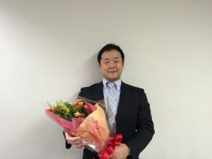 飯塚先生と花束1